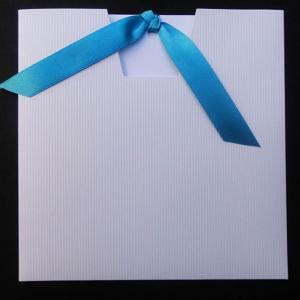 Προσκλητήρια γάμου -Γ1342 - <p>Οικονομικό συρταρωτό λευκό προσκλητήριο με τυρκουάζ λεπτομέρειες.</p>...