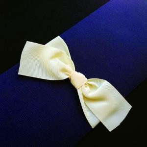 Πολυτελές Προσκλητήριο Γάμου -Lux07 - <p>Συρταρωτό σκούρο μπλε προσκλητήριo γάμου, από ανάγλυφο χαρτί, δέσιμο από φαρδιά off white γκρο κορδέλα.</p>...