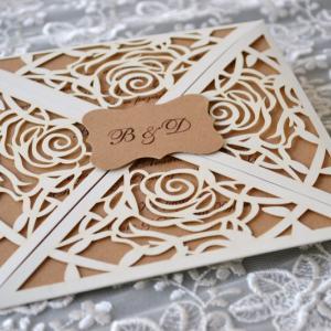 Προσκλητήρια γάμου laser cut -Γ1725 - <p>Ιδιαίτερο προσκλητήριο γάμου laser cut , με μονογράμματα και κάρτα από οικολογικό χαρτί!</p>...