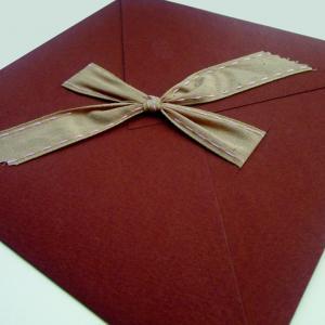 Προσκλητήρια βάπτισης κορίτσι -Β1227 - <p>Σοκολατί γκοφρέ 20x20cm. φάκελος με οικολογική κορδέλα, συνοδεύεται από ροζ γκοφρέ κάρτα.</p>...