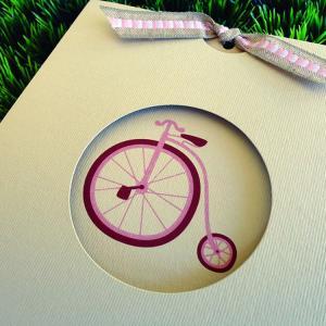 Προσκλητήριο Βάπτισης -Β1447 vintage - <p>Ιδιαίτερο συρταρωτό vintage προσκλητήριο με θέμα ρομαντικό παλαιό ροζ ποδηλατάκι.</p>...