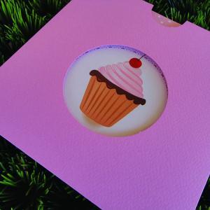 Προσκλητήριο Βάπτισης -Β1472 cupcake - <p>Συρταρωτό γκοφρέ με ματιέρα προσκλητήριο βάπτισης, με θέμα cupcake.</p>...