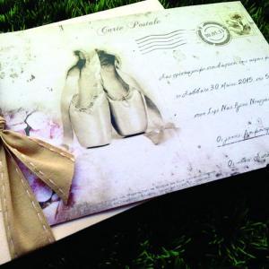 Προσκλητήρια Βάπτισης Cart Postale -Β1517 - <p>Μοναδικό προσκλητήριο βάπτισης cart postale σε γκοφρέ φάκελο και κάρτα σε σομόν αποχρώσεις και θέμα τις πουέντ.</p>...