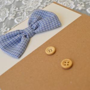 Προσκλητήρια βάπτισης μουστάκι - παπιγιόν -Β1724 - <p>Μοναδικό προσκλητήριο βάπτισης για αγόρι , από οικολογικό χαρτί, με υφασμάτινο παπιγιόν και ξύλινα κουμπιά!</p>...