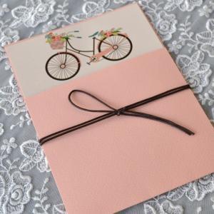 Προσκλητήρια βάπτισης 2017 -Β1744 - <p>Συρταρωτό προσκλητήριο βάπτισης με θέμα  ;ρομαντικό ποδήλατο ; στους τόνους του σομόν!</p>...