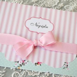 Προσκλητήρια βάπτισης  φλοράλ -Β1749 - <p>Εντυπωσιακό φλοράλ   ριγέ προσκλητήριο βάπτισης, σε ροζ - βεραμάν τόνους   φαρδύ φιόγκο από ροζ γκρο κορδέλα!</p>...
