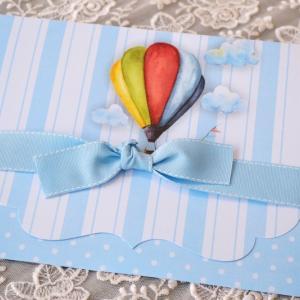 Προσκλητήρια βάπτισης πρωτότυπα -Β1751 - <p>Εντυπωσιακό ριγέ   πουά προσκλητήριο βάπτισης, σε γαλάζιους τόνους, θέμα  ;αερόστατο ;   φαρδύ φιόγκο στο κλείσιμο!</p>...